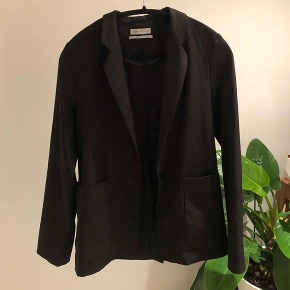 Light-weight black blazer jacket